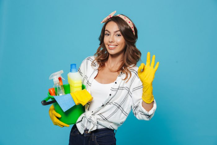 hiring a house cleaning service